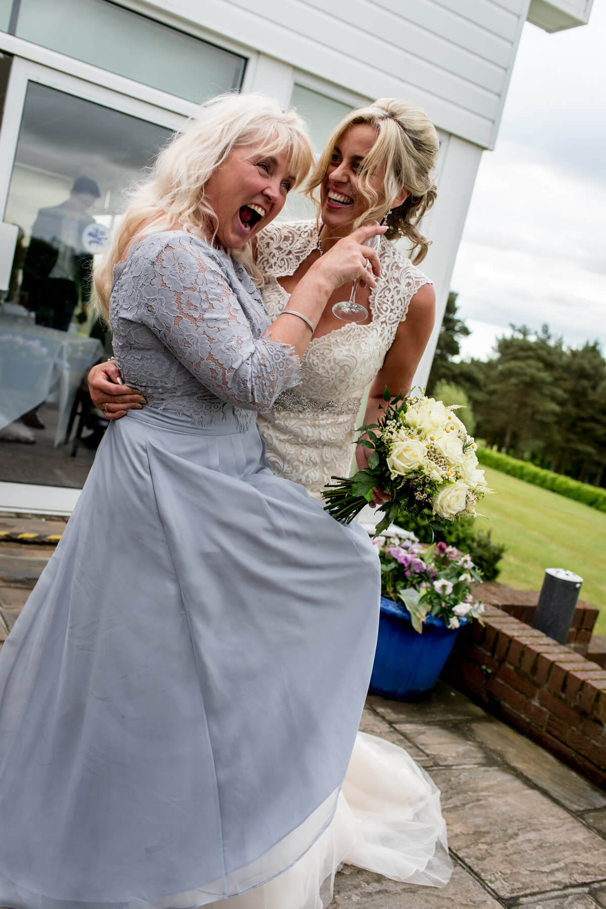 carine bea photography, london wedding photography, london wedding photographer, documentary wedding photographer, documentary wedding photography, natural wedding photos, photojournalist, wedding reportage, alternative wedding photographer, essex wedding photographer, essex wedding photography, essex wedding, Stoke by Nayland Hotel wedding, Mori Lee dress, Sara Scott flowers, Stoke by Nayland Hotel wedding photographer