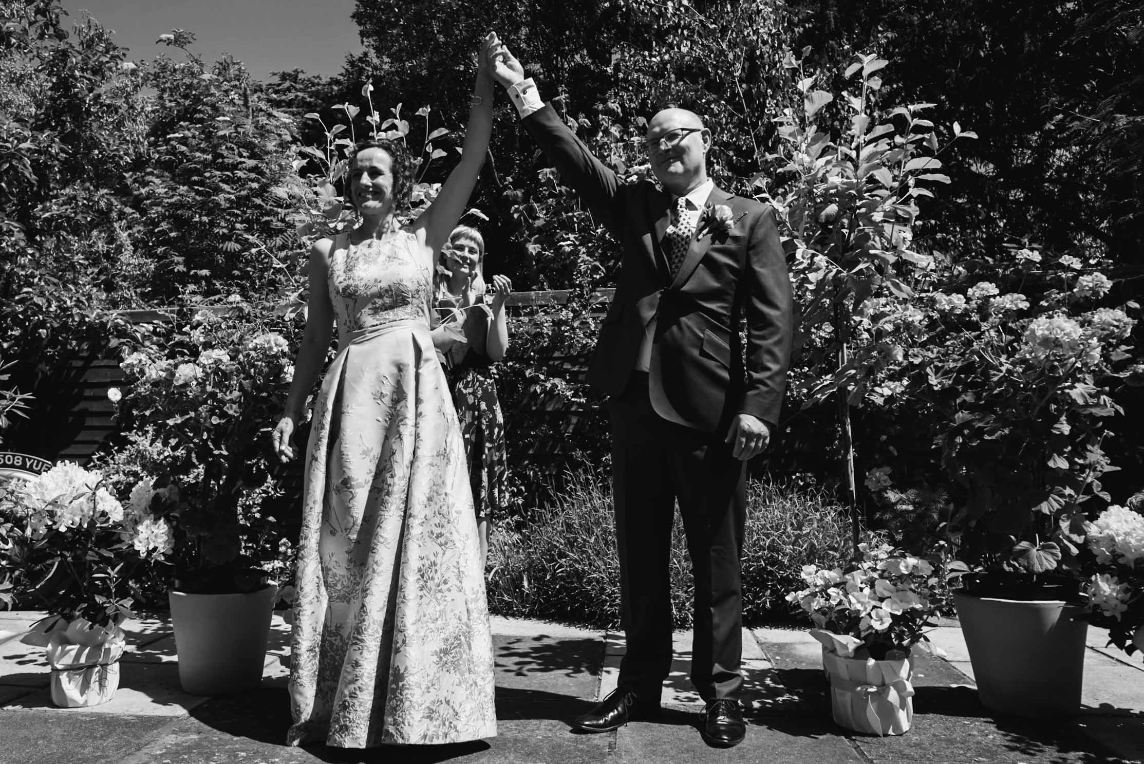 Carine Bea Photography, wedding ceremony at back garden