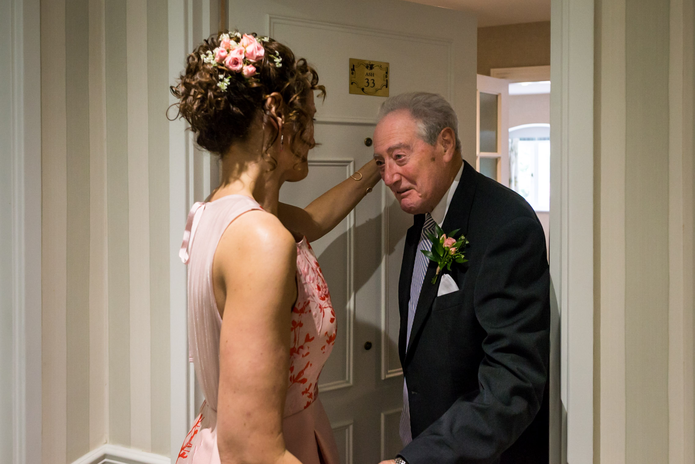 Carine Bea Photography, father of the bride first look