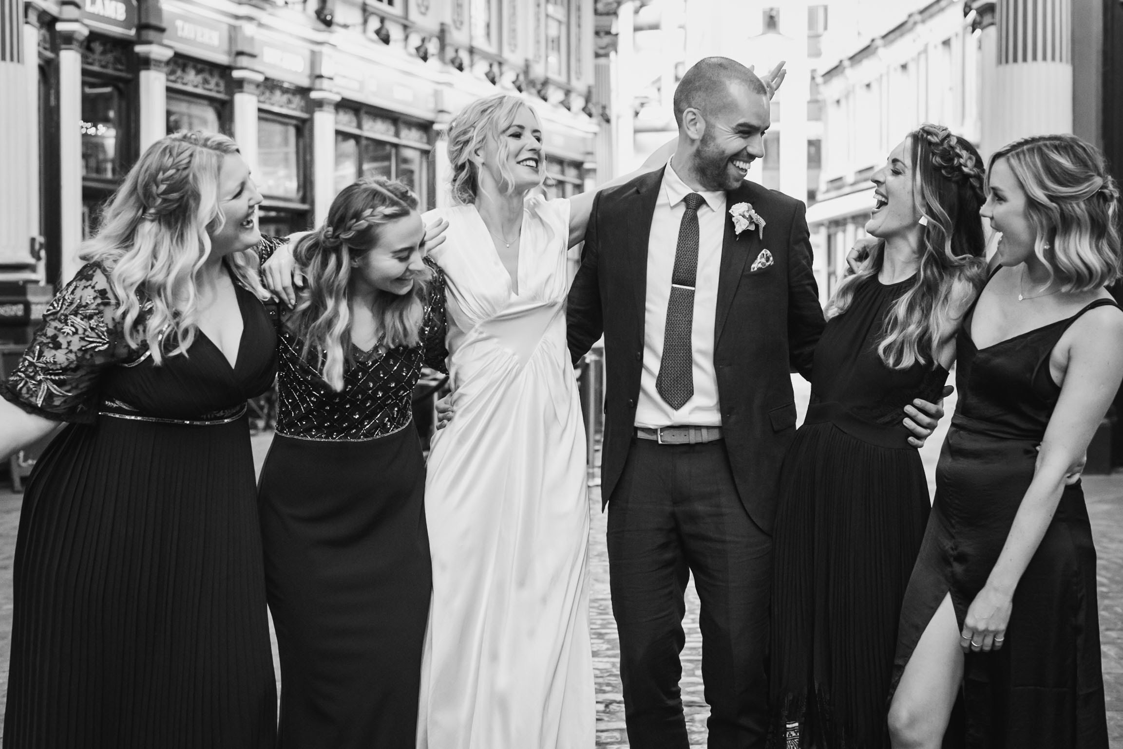carine bea photography, pub wedding London , The Lamb Tavern Leadenhall, formal