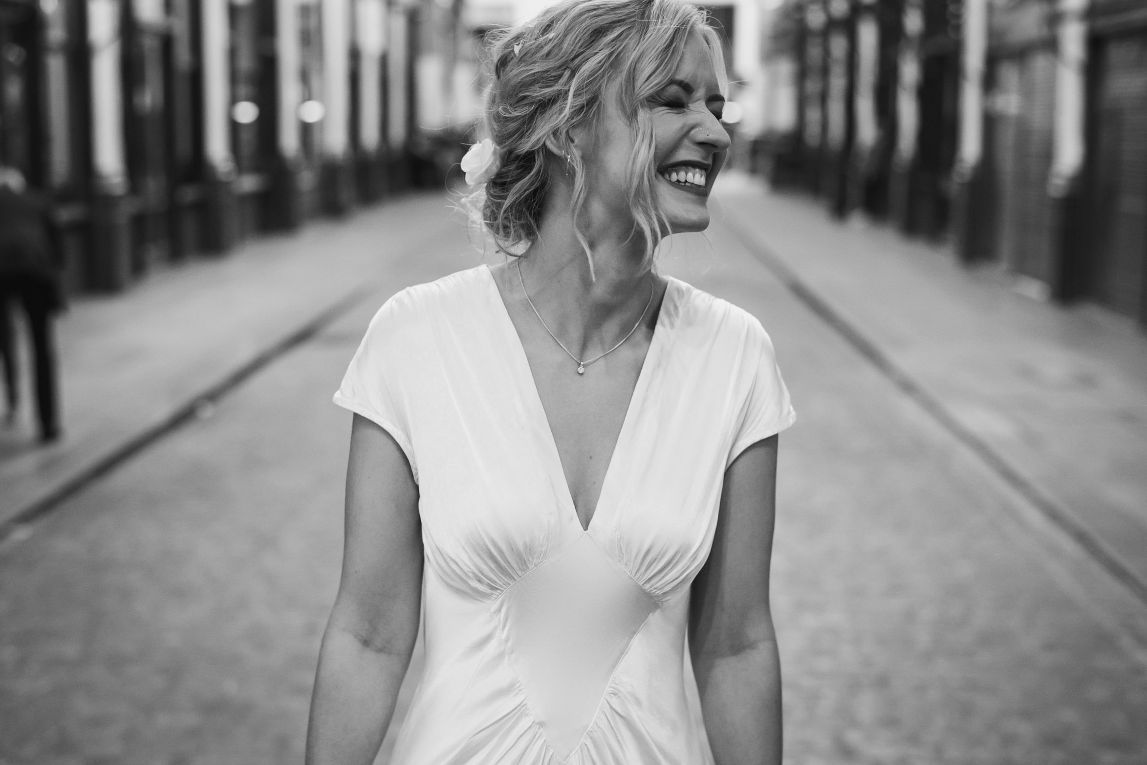 carine bea photography, pub wedding London , The Lamb Tavern Leadenhall, bride portrait