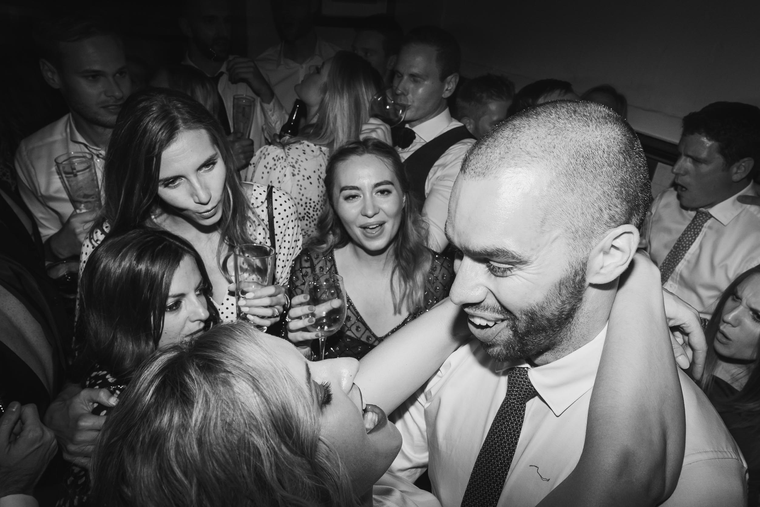 carine bea photography, pub wedding, The Lamb Tavern Leadenhall, crazy dance