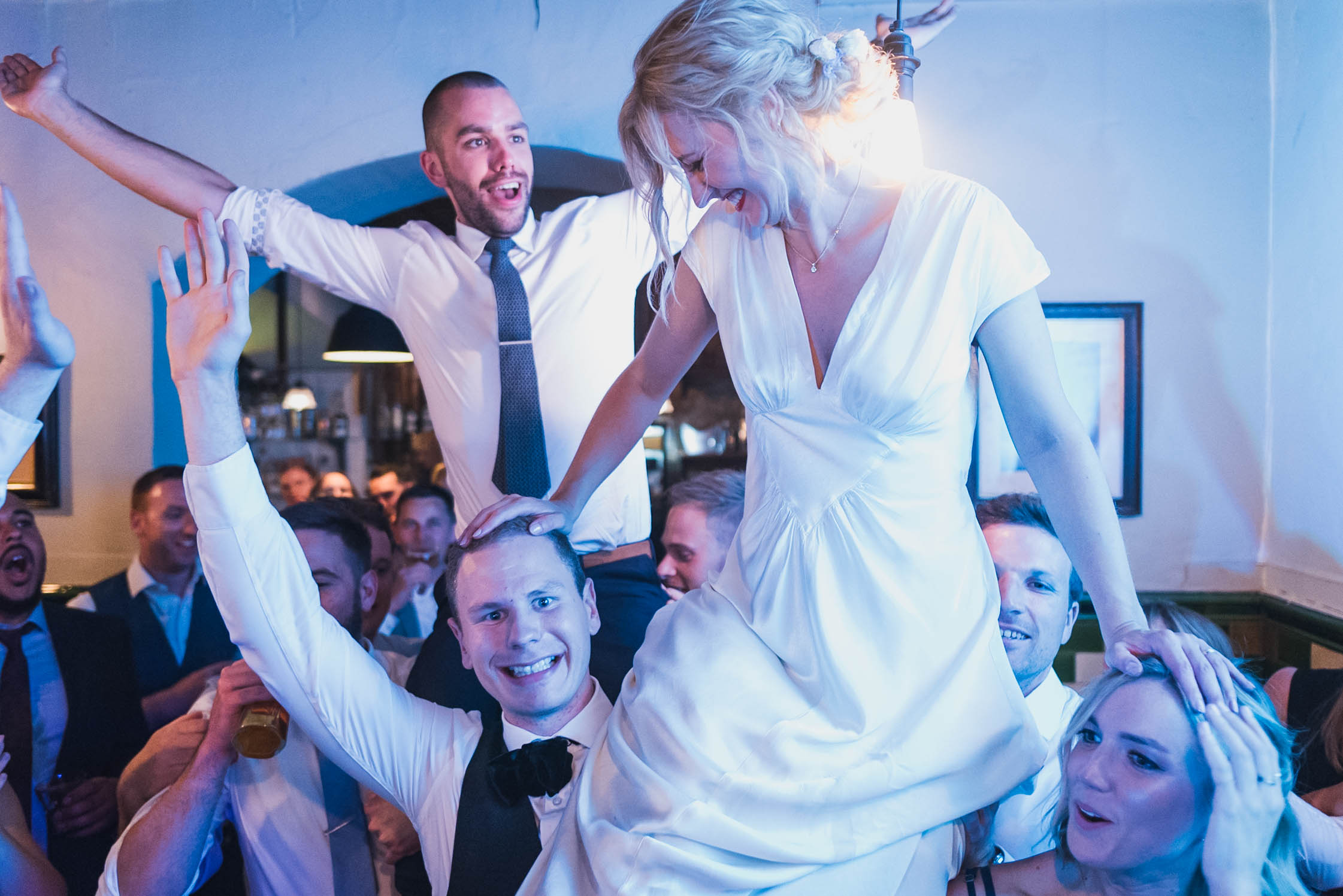 carine bea photography, pub wedding, The Lamb Tavern Leadenhall
