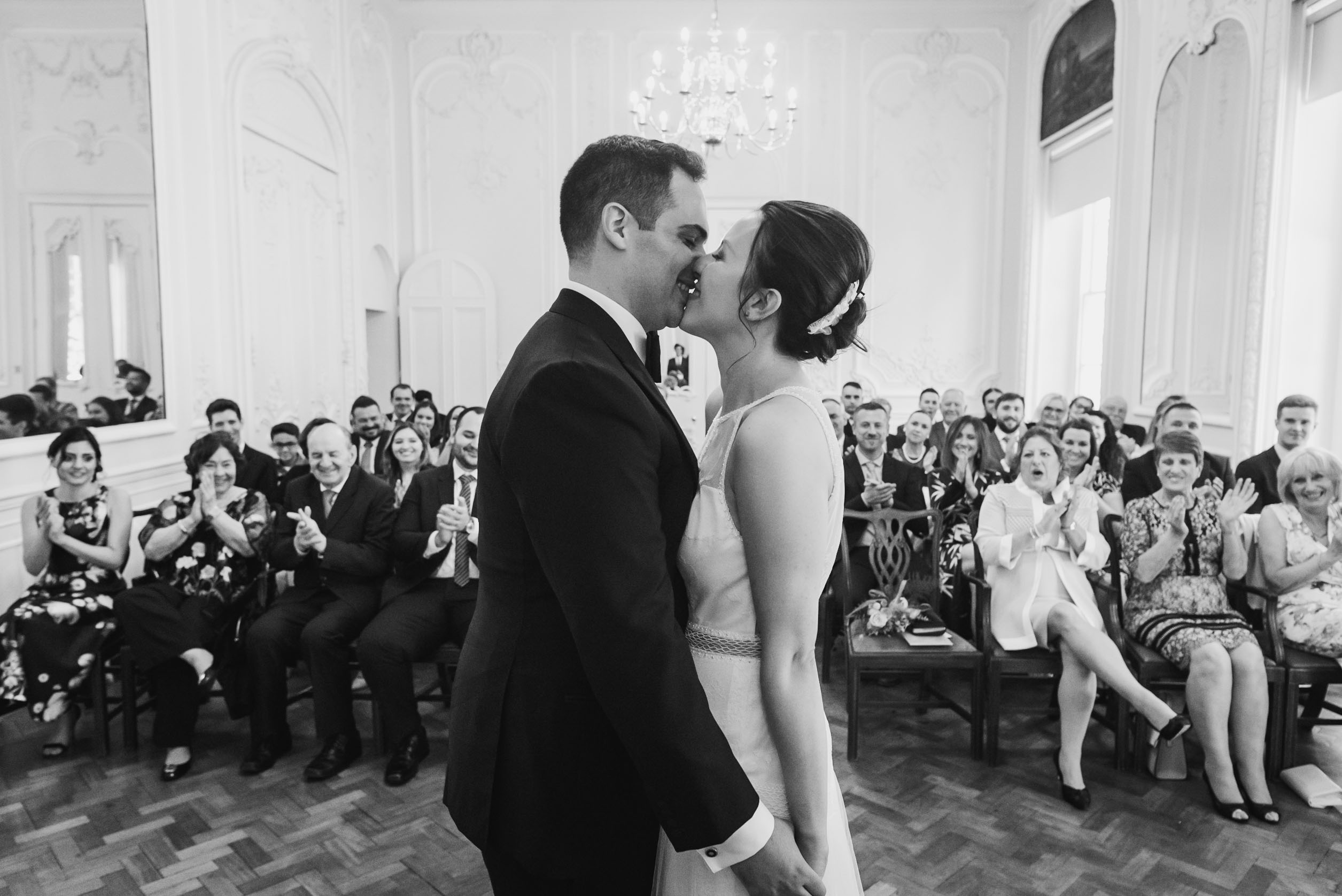 carine bea photography, fisrt kiss wedding ceremony at carlton house terrace london