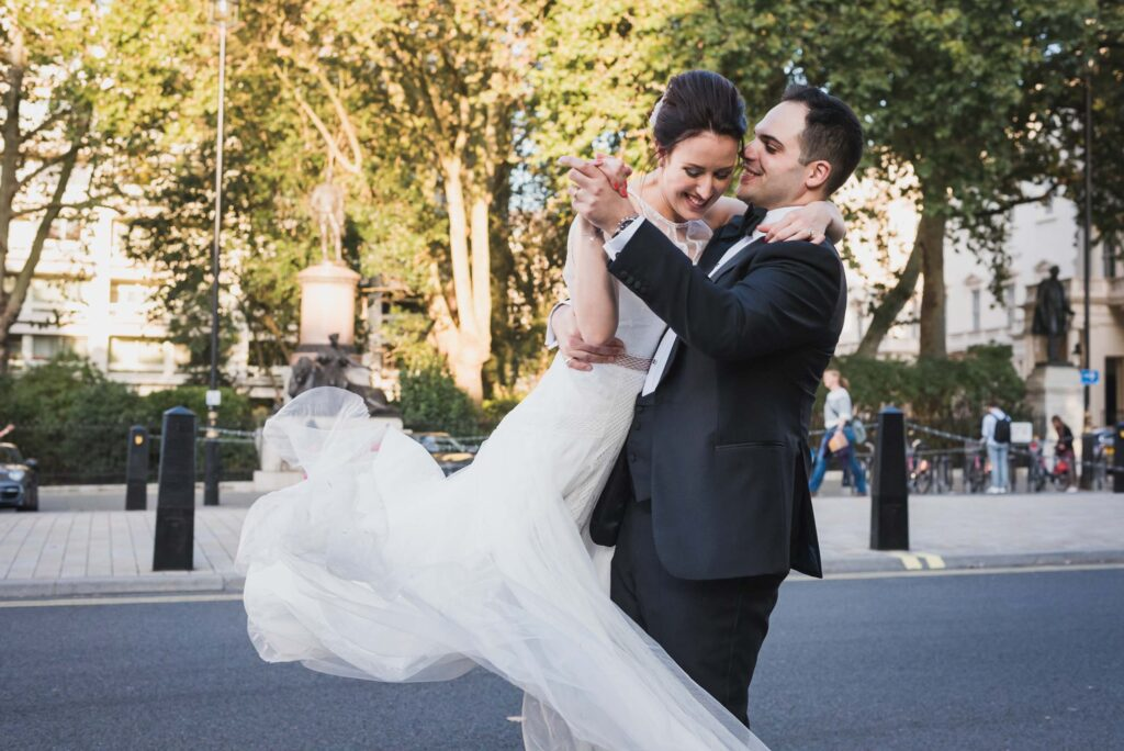carine bea photography, couple portraits at london streets