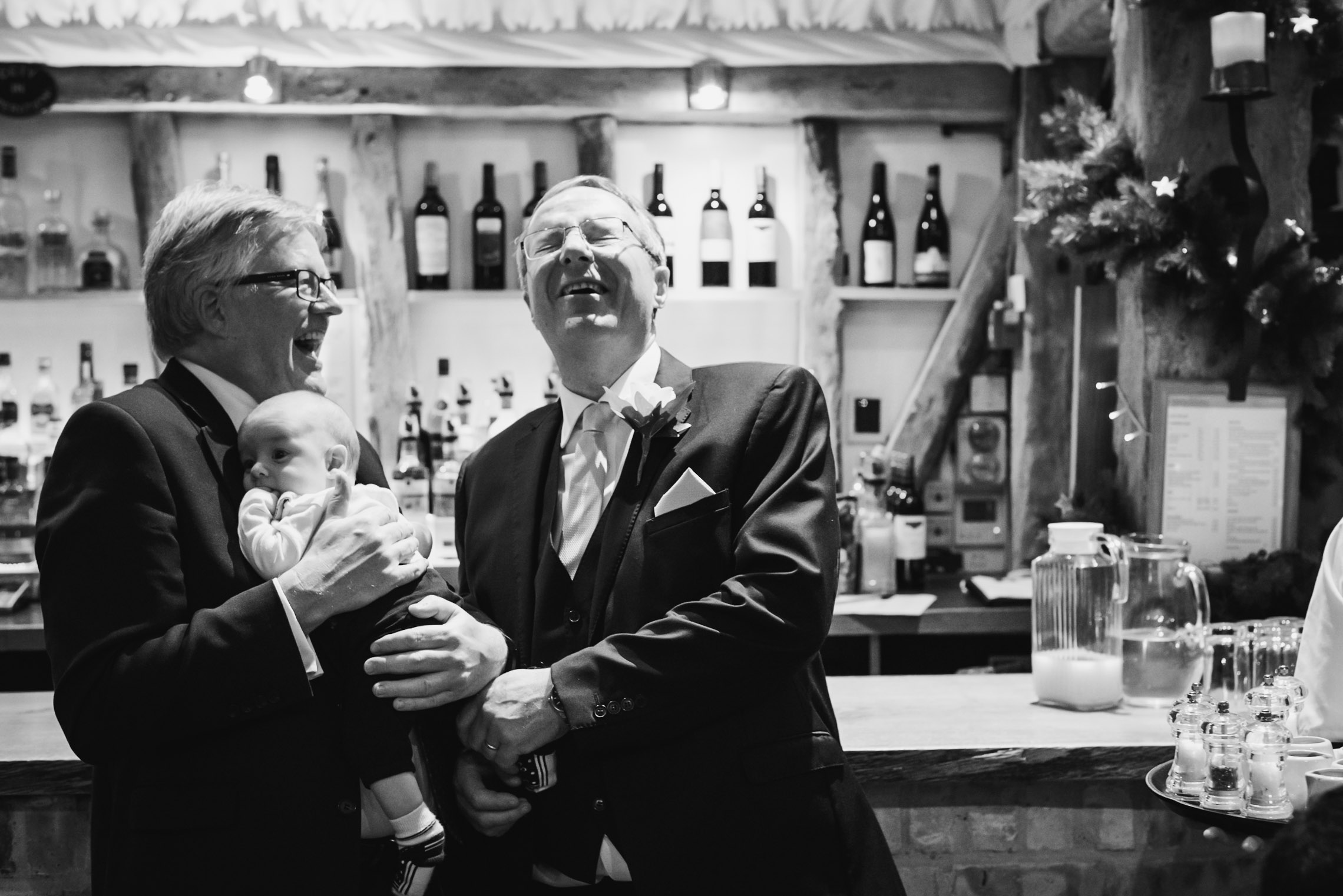 Carine Bea photography, Multicultural wedding, fun at bar